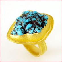 Turquoise & 22kt Ring