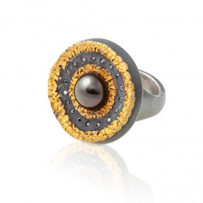 Black Pearl and Gold Ring