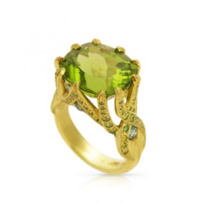 Peridot &18kt Green Gold Ring